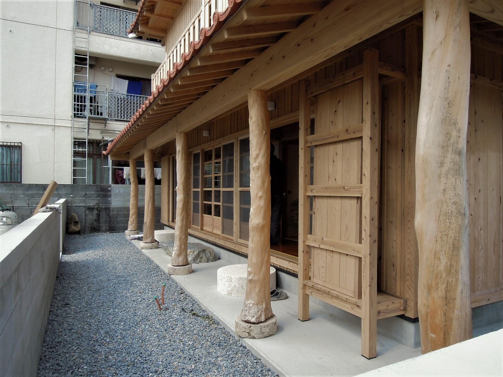嘉手納町 木造赤瓦貫屋二階建2